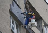 Строителното министерство поиска от общините по-строг контрол на санирането